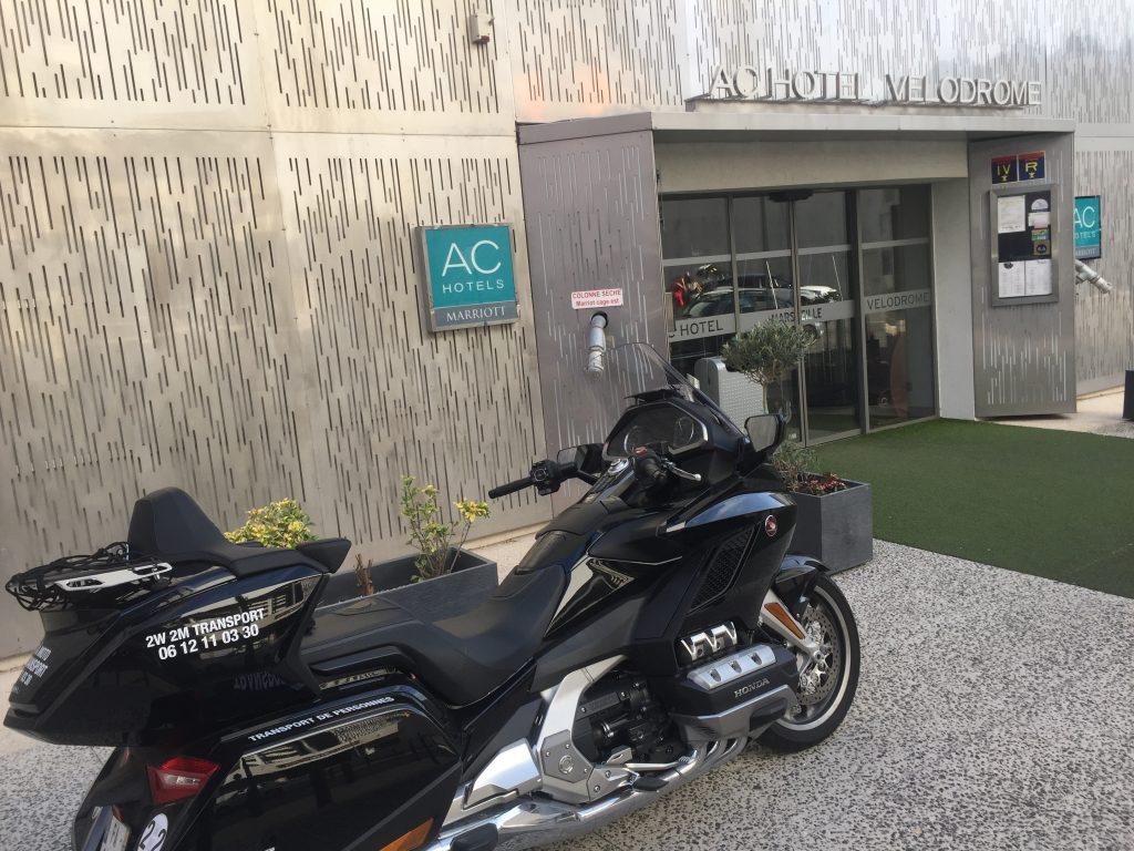 Moto Taxi a destination de l'AC Hotel by Marriot Marseille Prado Vélodrome. 4 allée Marcel Leclerc.