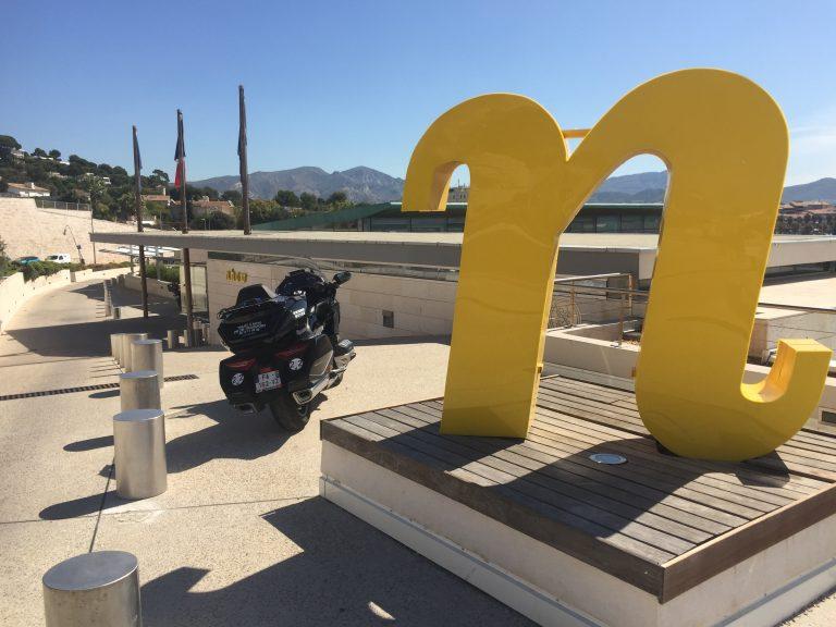 Moto Taxi a destination nhow Marseille. 200 Corniche J.F. Kennedy
