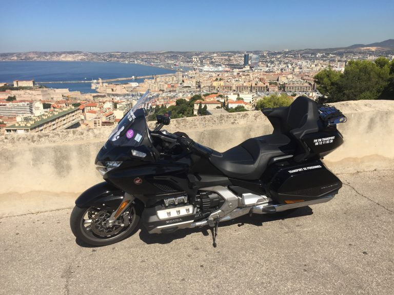 Moto taxi, transport de personne a destination de Marseille par 2W 2M TRANSPORT.