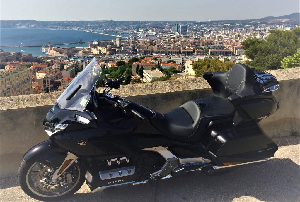 Honda Goldwing 2018 DCT noire profil
