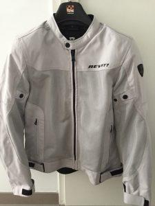 Veste Moto Blanche été de marque Revit, Veste avec renfort coude et épaules aux normes C.E.