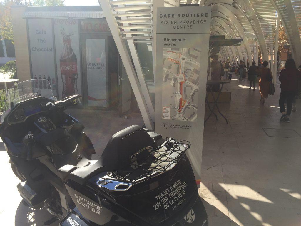 Moto Taxi a destination de la gare routière Aix en Provence Centre